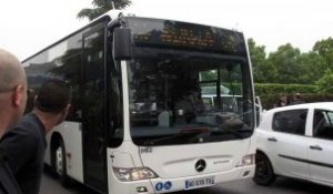 La conductrice de bus n'a pas de rancune