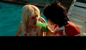 SNTV - « The Runaways »