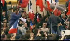 "[Manifestation anti-FN "" Vive la France"" au Trocadéro]"