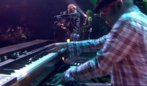 iConcerts - James Morrison - You Give Me Something (live)