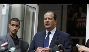 "Cambadélis ""encourage Martine Aubry"""