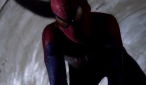 The Amazing Spiderman - Official Trailer [VF-HD]