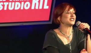 Julie Victor en direct dans Le Grand Studio RTL présenté par Laurent Boyer