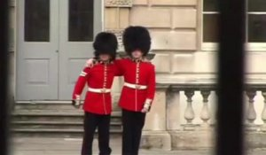 Queen's guards go mad at Buckingham Palace