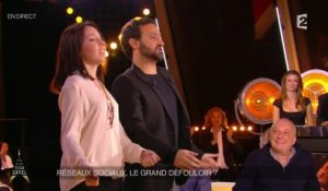 Cyril Hanouna invite une fan à faire la danse de l'épaule