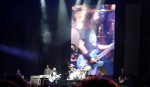 Crazy Foo Fighters live in Chile -The crowd sings all the songs!