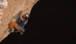 Into the light : Stefan Glowacz et Chris Sharma au coeur d'un gouffre de 160m