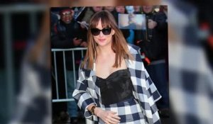 Dakota Johnson continue de faire la promotion de 50 Nuances de Grey