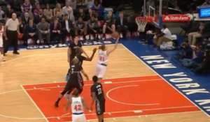 Le layup air ball de Lou Amundson