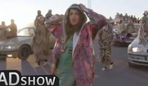 Music goes on strike: Mia's videoclip goes wierd