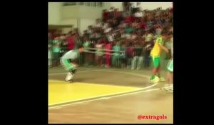 Un but incroyable en futsal !