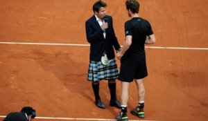 Fabrice Santoro interviewe Andy Murray en kilt