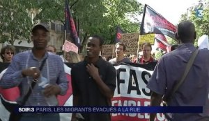 Les migrants manifestent à Paris