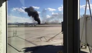 Un avion Boeing 777 de la British Airways en feu à l'aéroport de Las Vegas