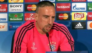 Euro 2016 - Ribéry encourage Deschamps à prendre Benzema