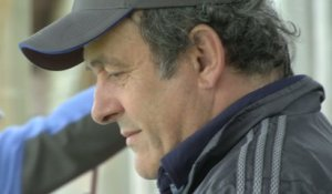 Foot - Golf : Michel Platini au practice