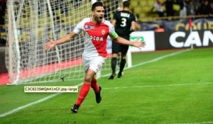 BORD TERRAIN : Le but de Falcao contre Nancy