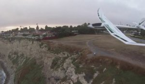 Un planeur percute un drone en plein vol ! Crash