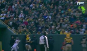 Ha Ha Clinton-Dix perfectly intercepts Joe Flacco