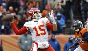 Montana on Mahomes: 'It'll probably take some time' for him to emerge