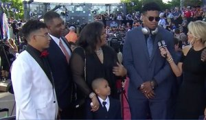 Marcus Davenport's family steals the show on the red carpet
