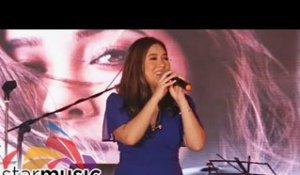 "Moira Dela Torre sings ""Malaya"" 