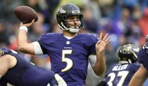 Lamar Jackson gets targeted at WR by Joe Flacco