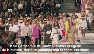Paris Fashion Week: Chanel à la plage au Grand Palais