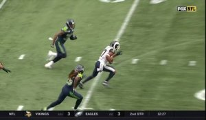 Woods dissects 'Hawks defense on 31-yard catch and run