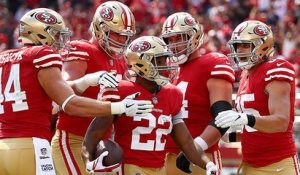 Breida scores first receiving TD of year off shovel pass