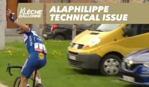 Alaphilippe technical issue - La Flèche Wallonne 2019