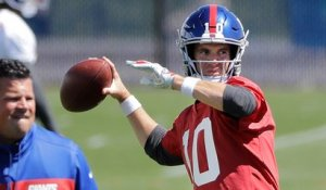 Shaun O'Hara on catching passes from Eli Manning: 'That ball is on fire'