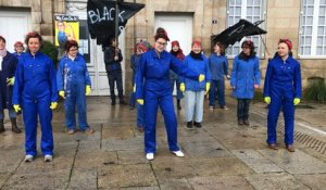 Flash-mob féministe à Alençon