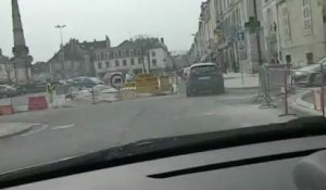VESOUL : NOUVELLE VOIE DE CIRCULATION PLACE DE LA REPUBLIQUE