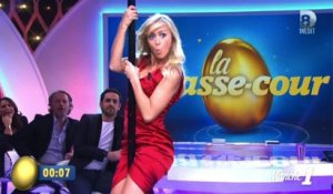 Quand Enora Malagré fait du pole dance - ZAPPING PEOPLE BEST-OF DU 25/05/2015