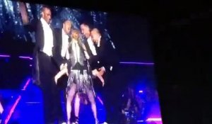 Katy Perry joins Madonna Onstage and Shake her Butt with her!