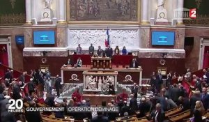 "Impôts, dotations, allocations... le gouvernement taxé d'""amateurisme"""