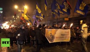 Ukraine : procession aux flambeaux des nationalistes de Kharkov