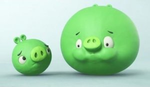 Crazy Green Piggies playing holding breath