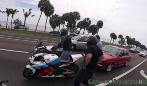 3 Motards vs Automobiliste (Road Rage)