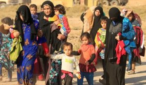 Civilians in Mosul fled their homes to head a safer territory