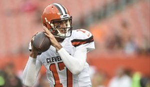 Who is winning preseason QB battle Brock Osweiler or DeShone Kizer?