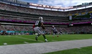 Robby Anderson finds open space along sideline, picks up 23 yards