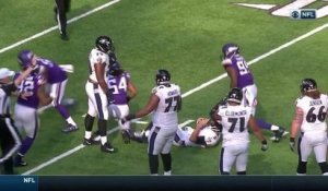 Everson Griffin sacks Joe Flacco, gets assist from Ravens' lineman