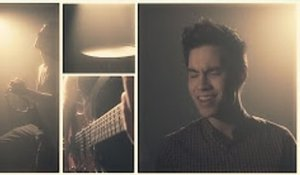 Chandelier - Sia - Sam Tsui Cover BY  Zili Music Company .