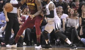 NBA - LeBron en triple-double, les Cavs se reprennent