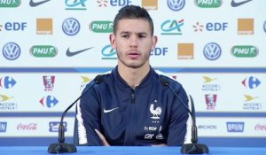 Équipe de France : le point presse d'Hernandez et Varane en replay