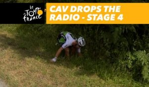 Cav fait tomber sa radio / drops the radio - Étape 4 / Stage 4 - Tour de France 2018