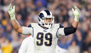 Aaron Donald agrees to six-year contract extension with Rams