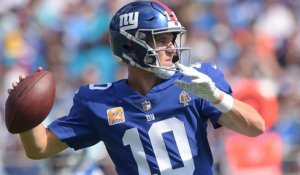Eli Manning hits OBJ perfectly for 17 yards on post-corner route